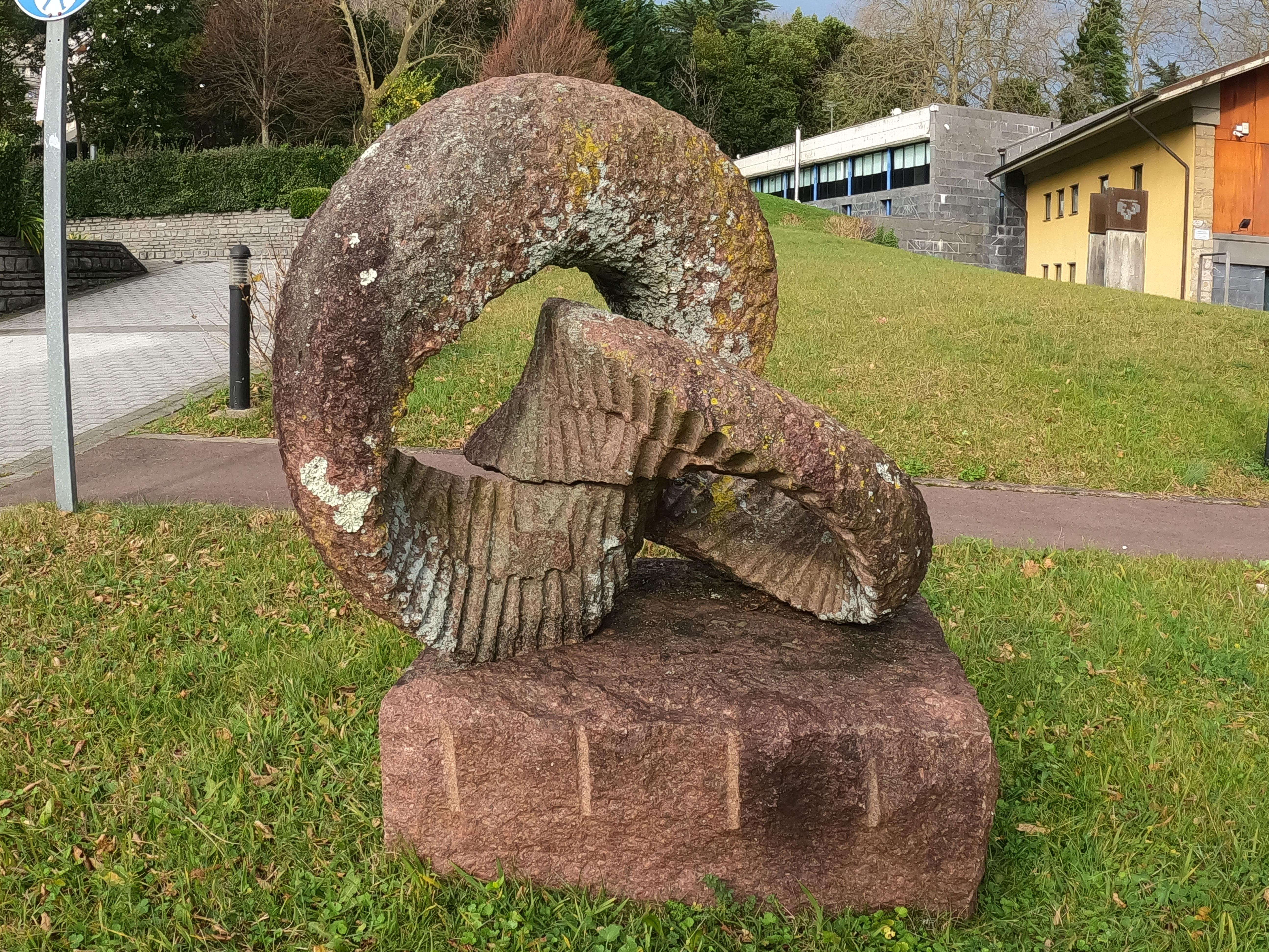 Escultura de Keizo Ushio / Toro