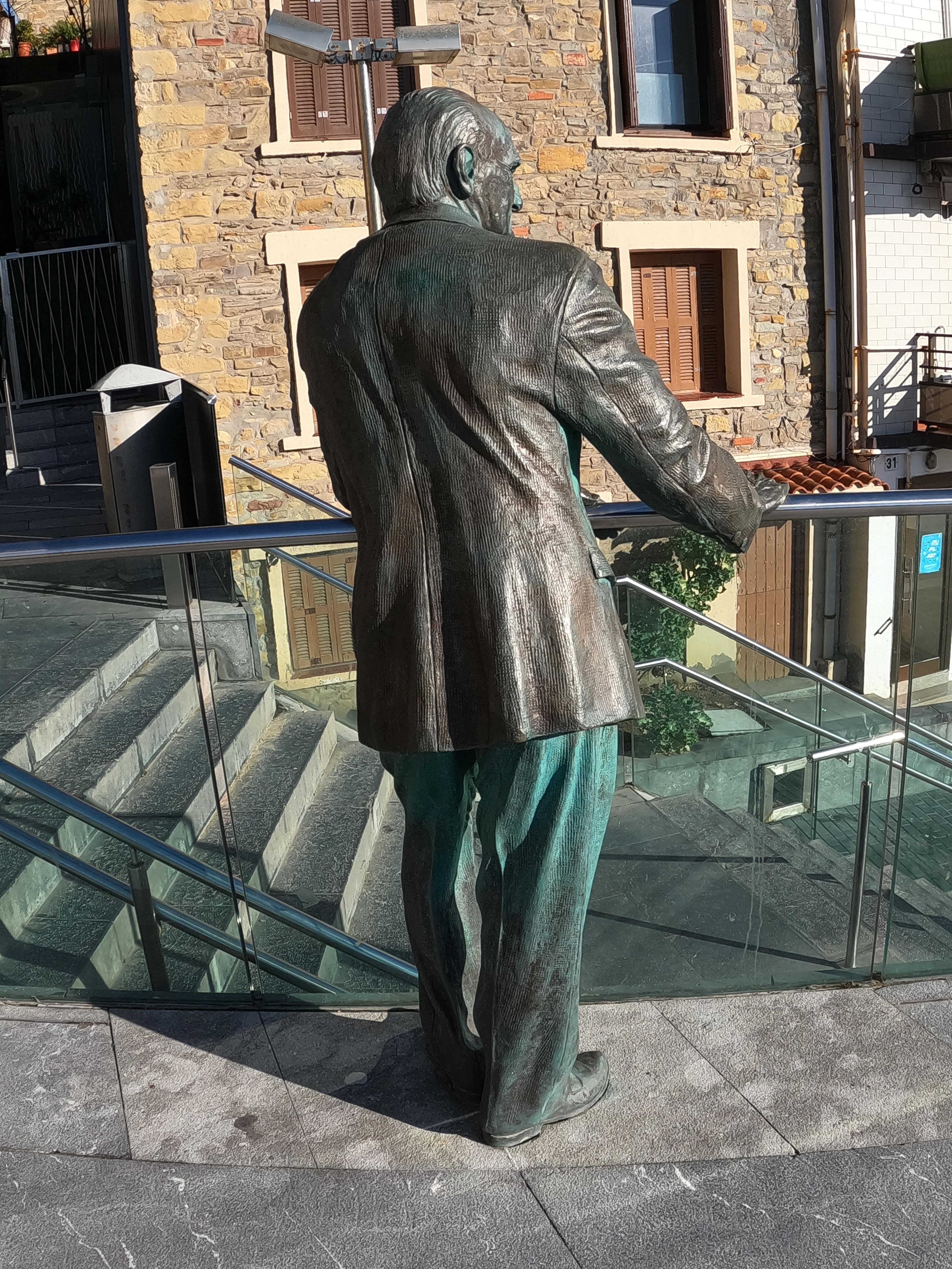 Escultura de Vicente Zaragüetaz