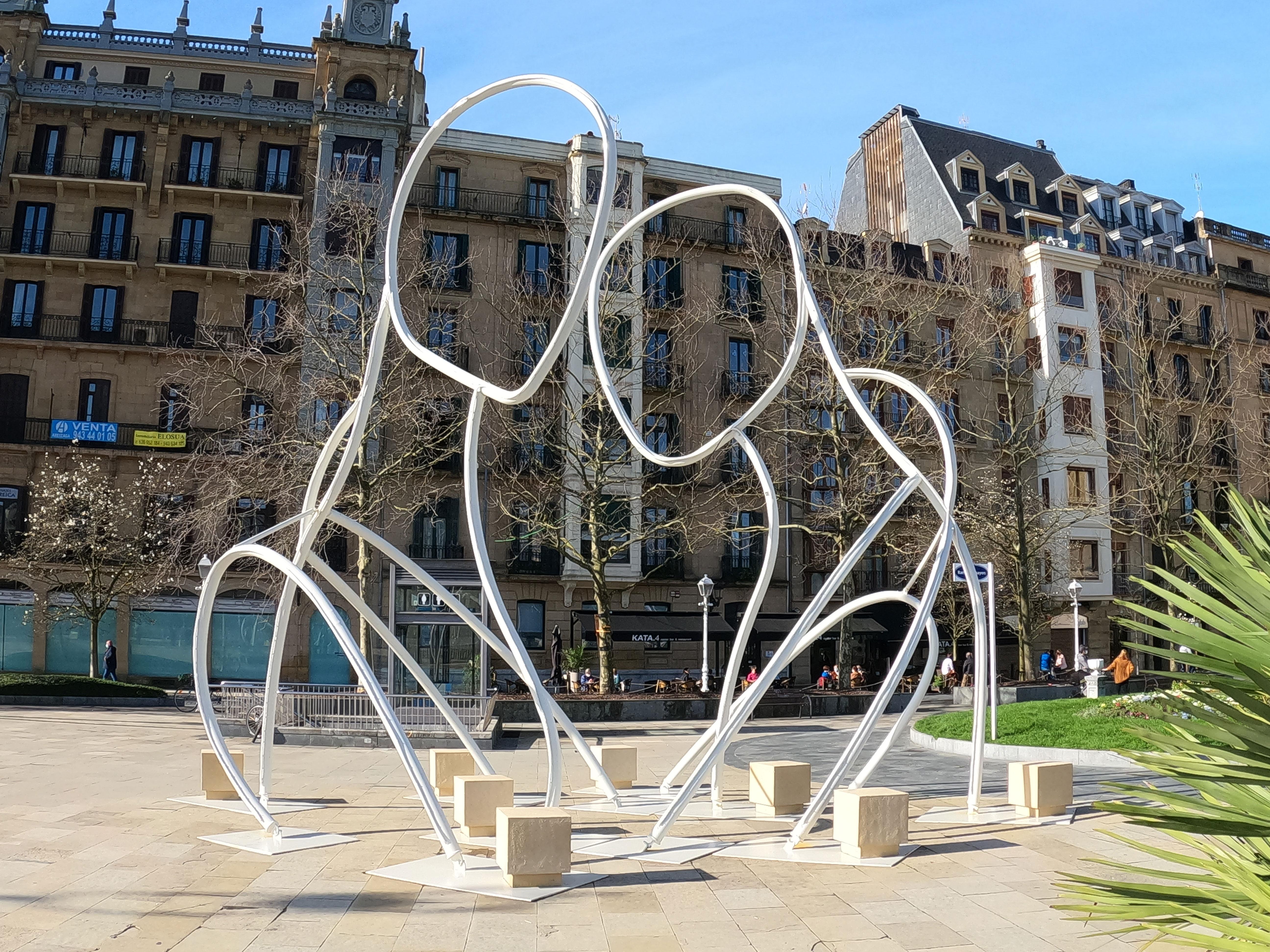 Escultura de Iñigo Aristegui