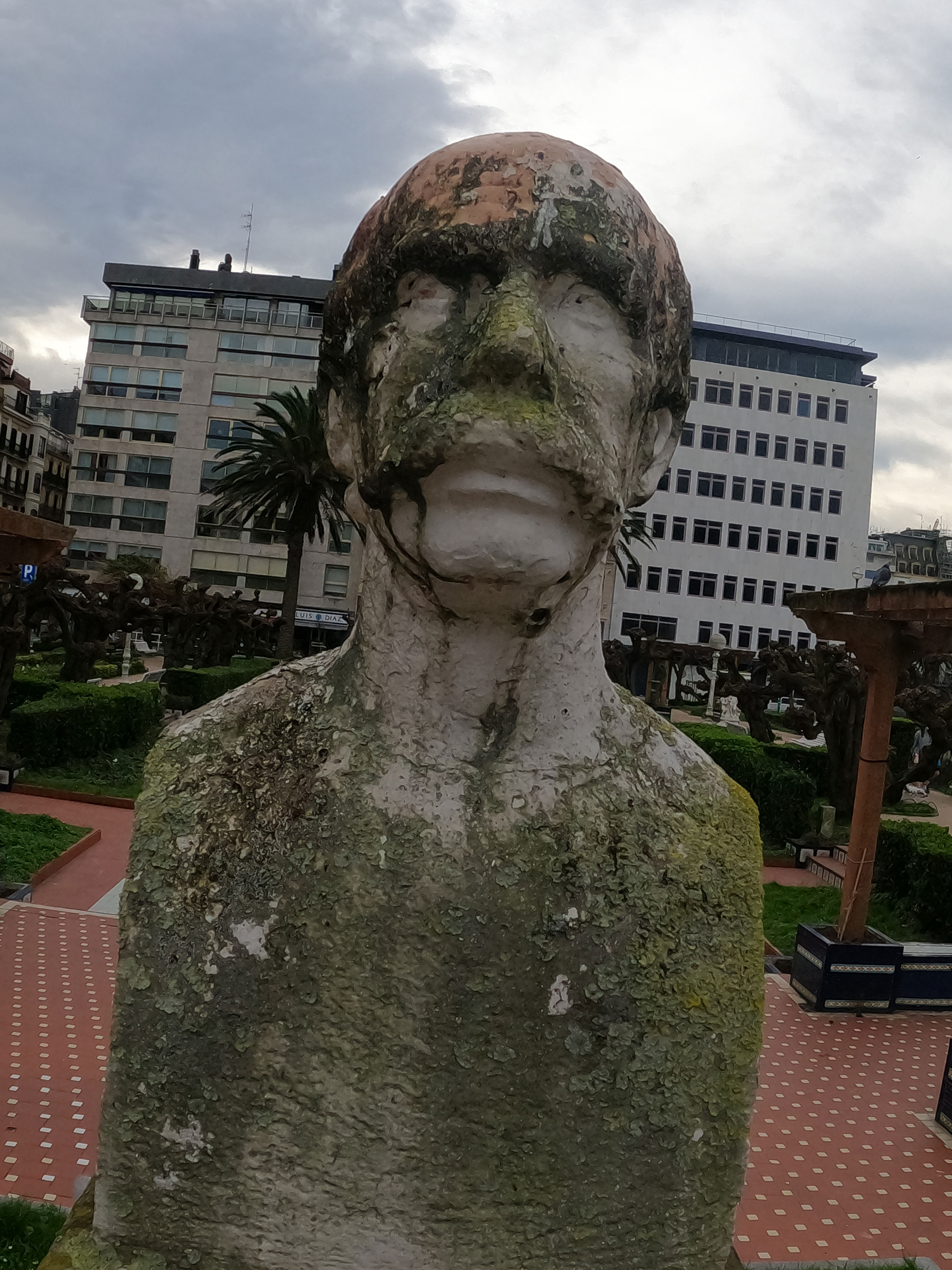 Escultura de José Díaz Bueno / José María Salaberria
