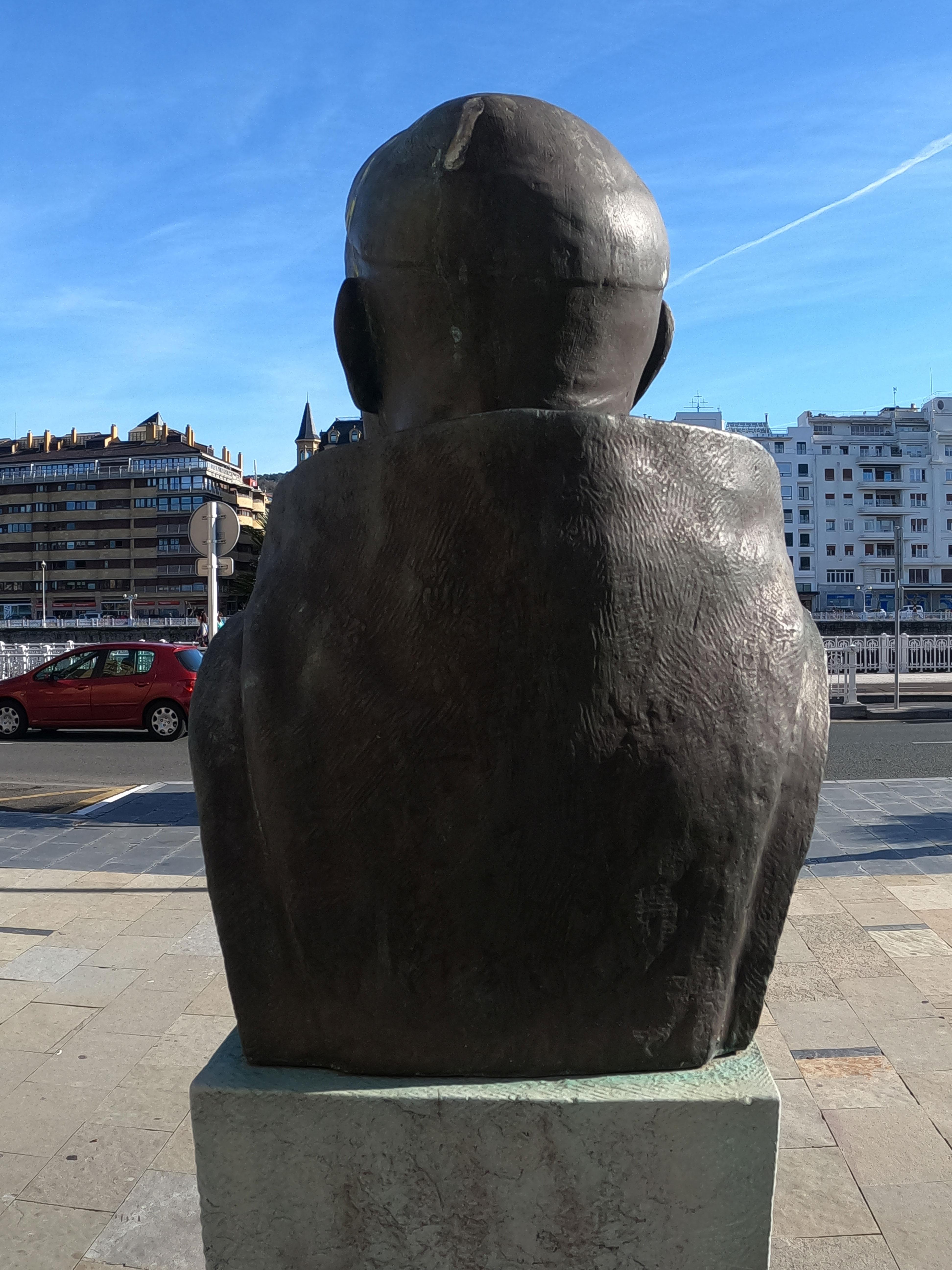 Escultura de Alfonso Ramón y Uribe
