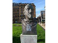 Escultura de Alfonso Ramón y Uribe / Padre Donostia